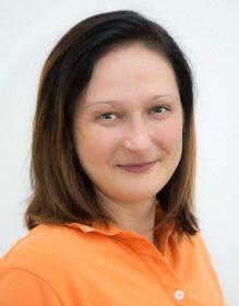 Dr. Agnieszka Czarnecka
